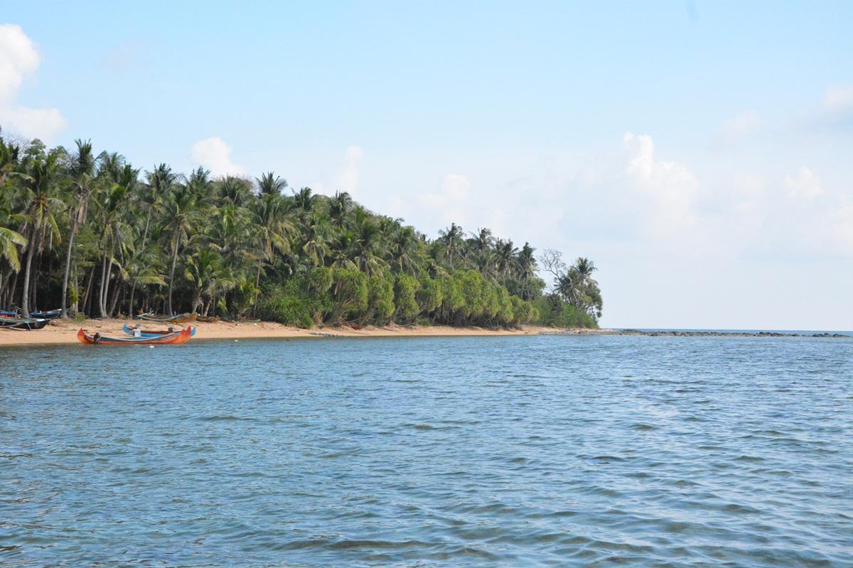 Pulau Bawean Manis Kesepian Jet Vacation Pantai Mayangkara Sebuah Cukup