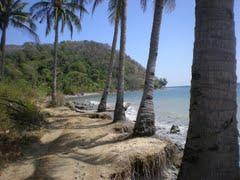 Travel Jelajahi Indahnya Nusantara Travelling Pantai Mayangkara Terletak Desa Kepuh