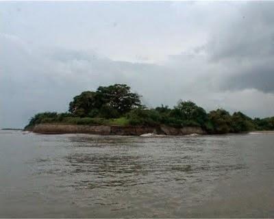 Kata Bijak Keindahan Pulau Mengare Gresik Terdapat Sebuah Benteng Peningalan