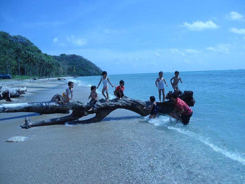Wisata Alam Website Gresik Pantai Mayangkara Pasir Putih Pulau Benteng