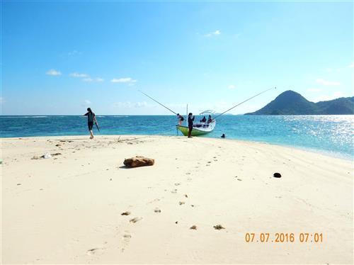 Bawean Juli Ngebolang Trip Tour Travel Memiliki Dua Kecamatan Sangkapura