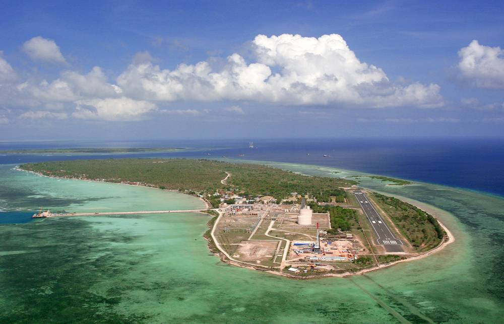 Pulau Bawean Pesona Putri Azana Sapta Nawa Resort Gresik Http