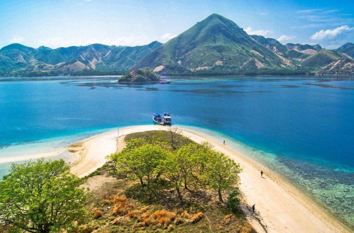 Wisata Pulau Bawean Membuat Wisatawan Kembali Pantai Noko Selayar Termasuk