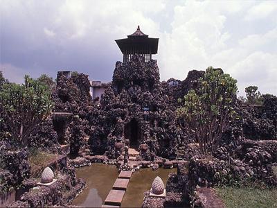 10 Foto Petilasan Sunan Kalijaga Cirebon Alamat Sejarah Taman Kera