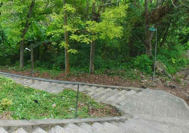 Pesona Keindahan Wisata Gunung Surowiti Gresik Daftar Tempat Makam Mpu