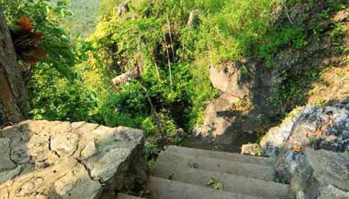 Surga Wisata Tersembunyi Kota Industri Gresik Poskota News Goa Langsih