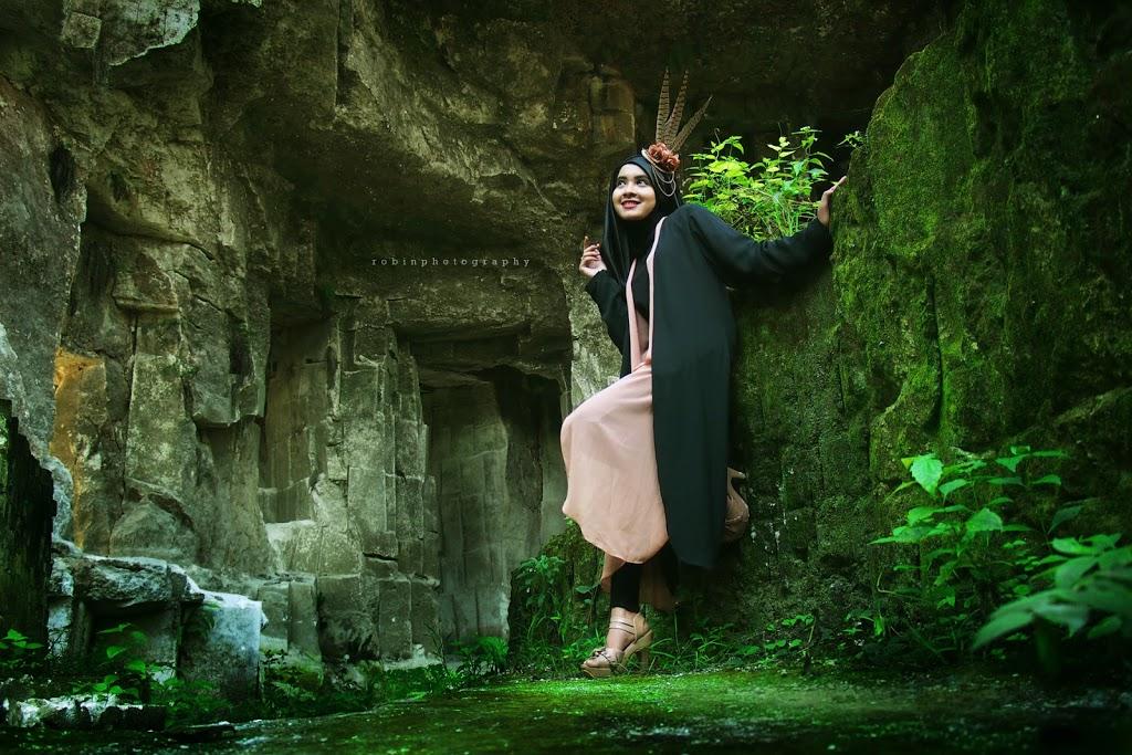 Prasasti Butulan Gosari Gresik Robin Photography Hijab Greenish Tone Foto