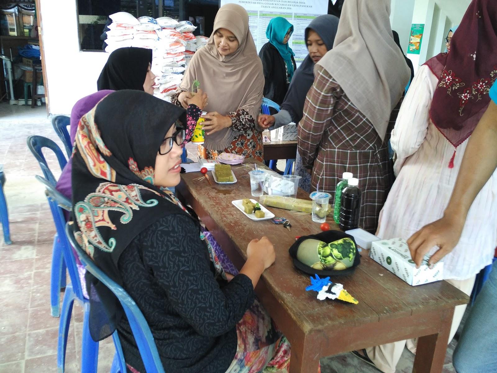 Situs Resmi Pemerintah Desa Gosari Acara Penyuluhan Hidroponik Ibu Prasasti