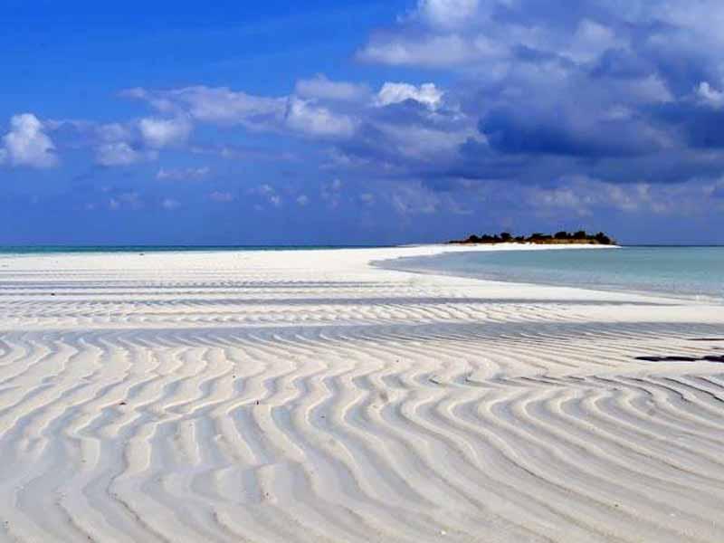 Eksotisme Pantai Noko Pulau Bawean Gresik Azana Sapta Nawa Open