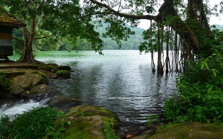Kenalkan Pulau Bawean Gresik Jawa Timur Destinasi Wisata Danau Kastoba