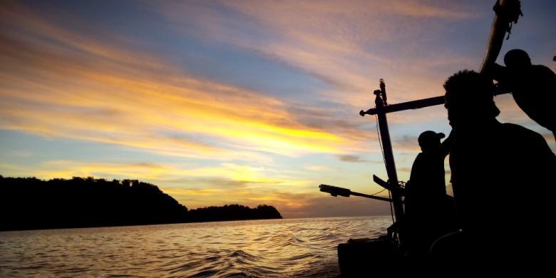 Menikmati Senja Pulau Cina Indahnya Kompas Bawean Kab Gresik