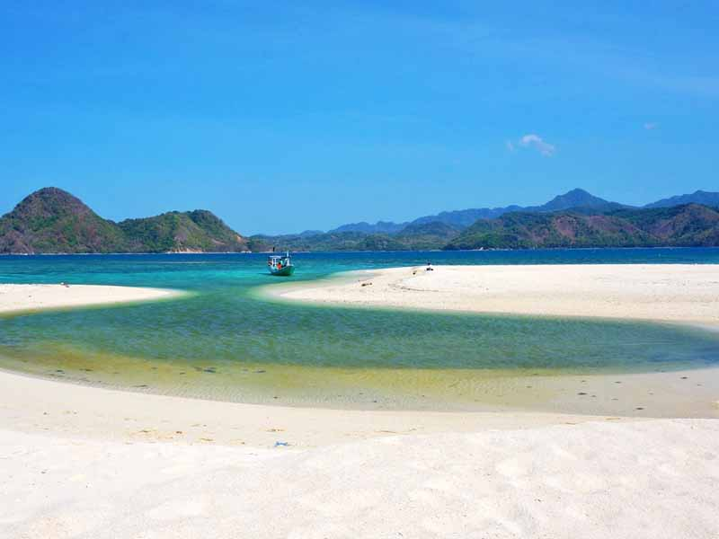 Pulau Bawean Pesona Putri Azana Sapta Nawa Resort Gresik Open