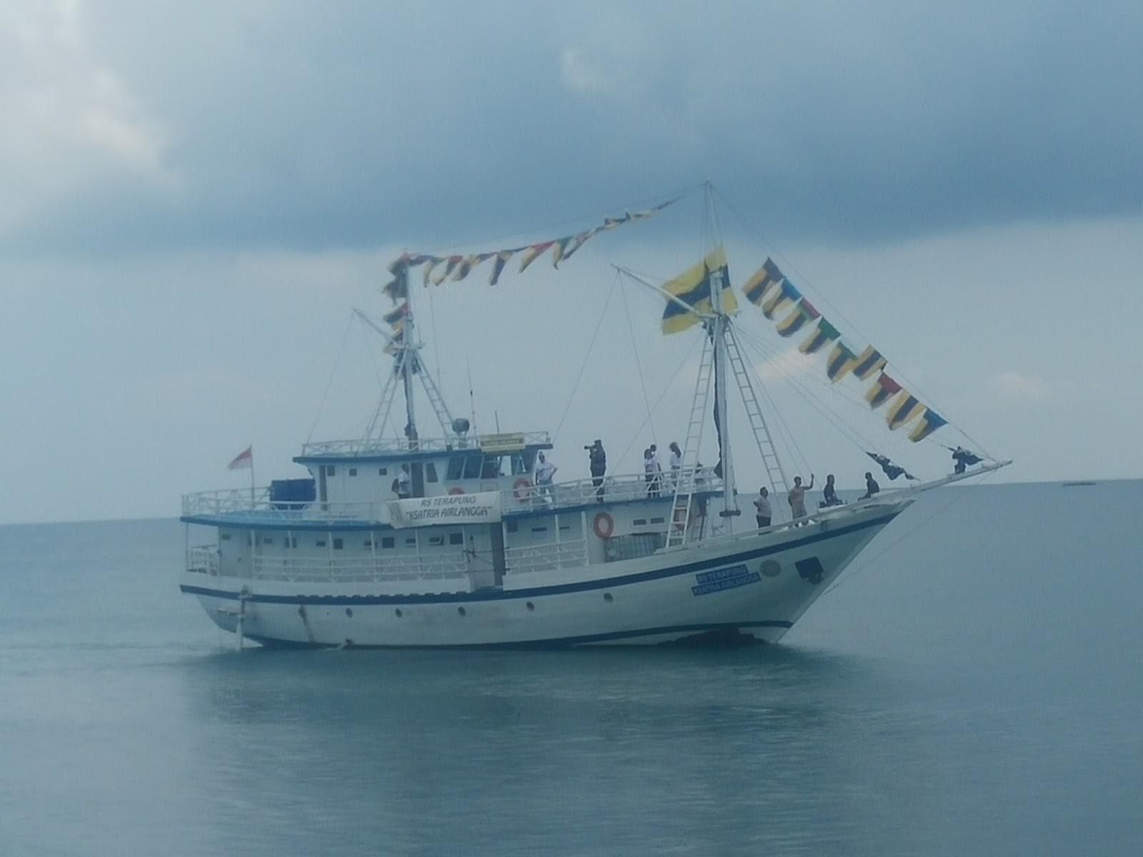 Rs Terapung Ksatria Airlangga Melayani Masyarakat Pulau Bawean Digagas Alumni