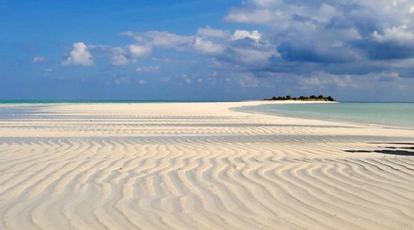 10 Tempat Wisata Gresik Wajib Disinggahi Memiliki Sebuah Pulau Surga