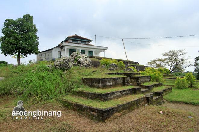 Giri Kedaton 2 Jpg Situs Gresik Makam Raden Supeno Kab
