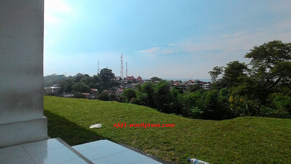 Situs Giri Kedaton Muhammad Afif Effendi Blog View Makam Giri2