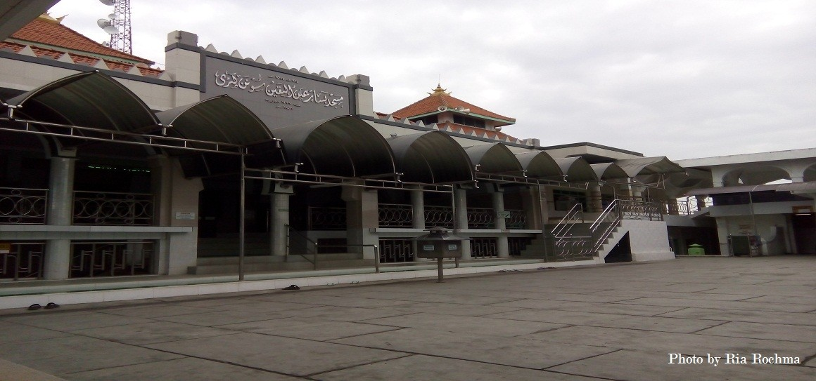 Surabaya Berziarah Makam Sunan Giri Gresik Masjid Wisata Religi Prapen