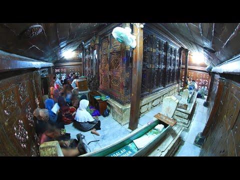 Wisata Makam Sunan Giri Murid Ampel Gresik Youtube Religi Prapen
