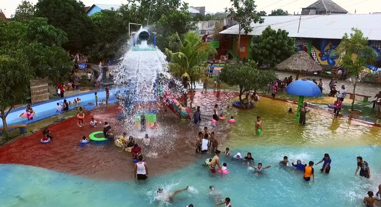Harga Tiket Masuk Waterboom Mulia Klambu Grobogan Trip Jalan Image
