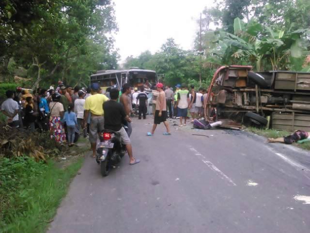 Berita Foto Lengkap Kecelakaan Mengerikan Sumberjatipohon Jatipohon Grobogan 2 Jati