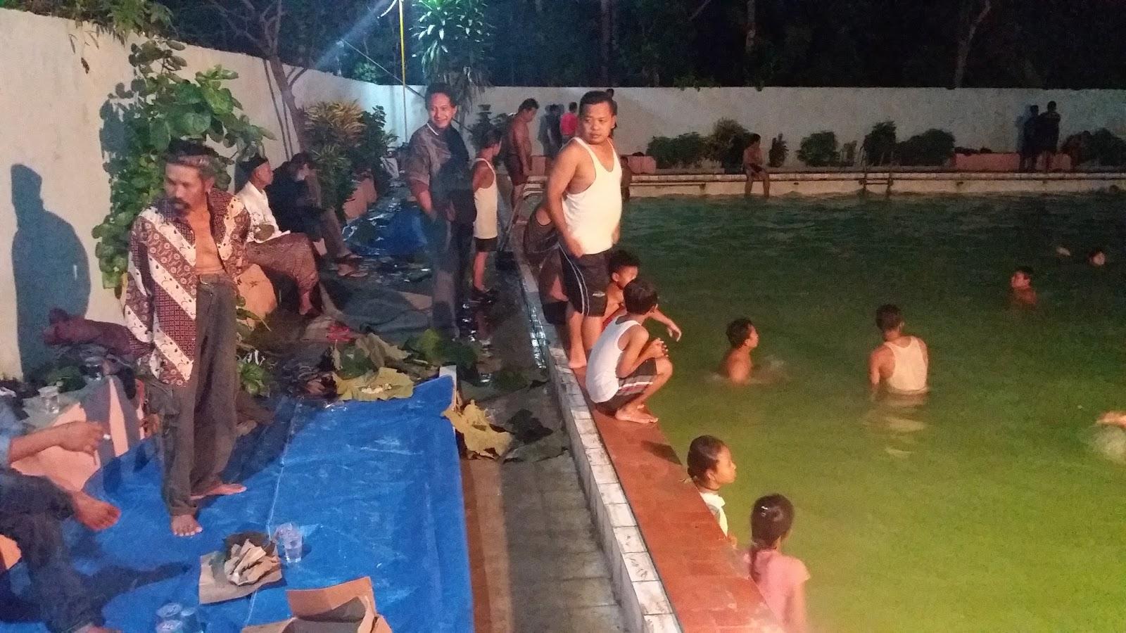 Malam 10 Muharom Mandi Kungkum Wisata Sumber Jatipohon Metro Grobogan