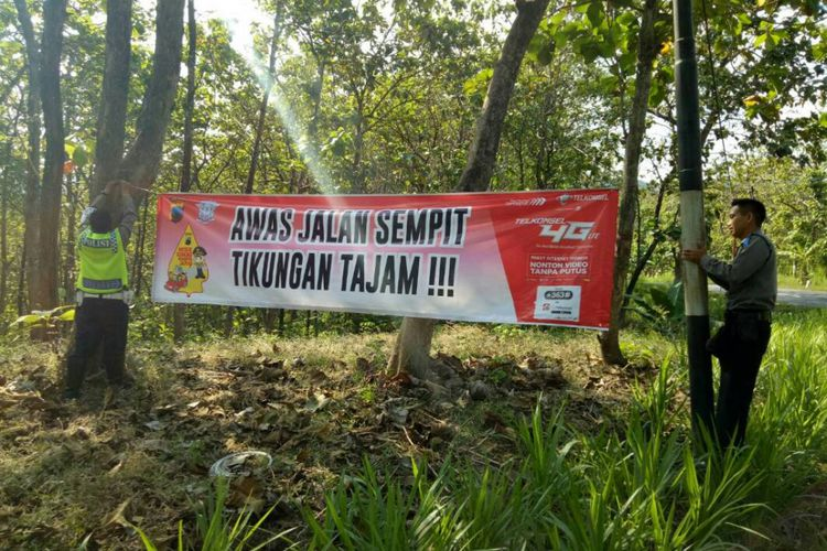 Mulai Hari Truk Dilarang Melintas Grobogan Kompas Sat Polres Pasang