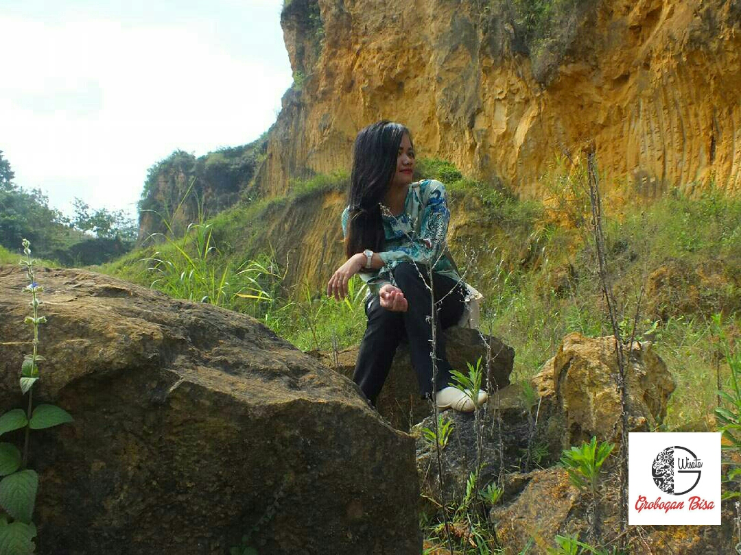 Watu Peksi Tempat Asyik Buat Selfie Jatipohon Wisata Grobogan Tebing