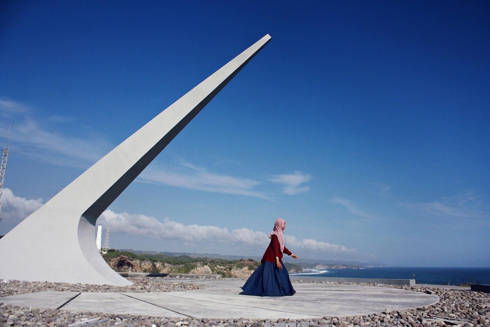 Dwi Susanti Langit Biru Baron Technopark Begitulah Langitnya Sungguh Cerah