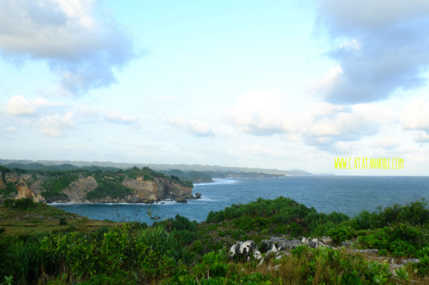 Sejenak Menikmati Senja Baron Techno Park Gunungkidul Pemandangan Atas Bukit