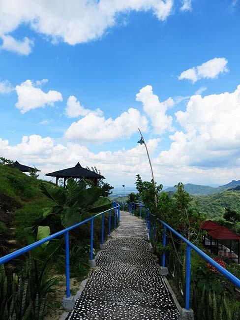 Terdampar Tengah Hamparan Hijau Green Village Gedangsari Jalan Setapak Desa