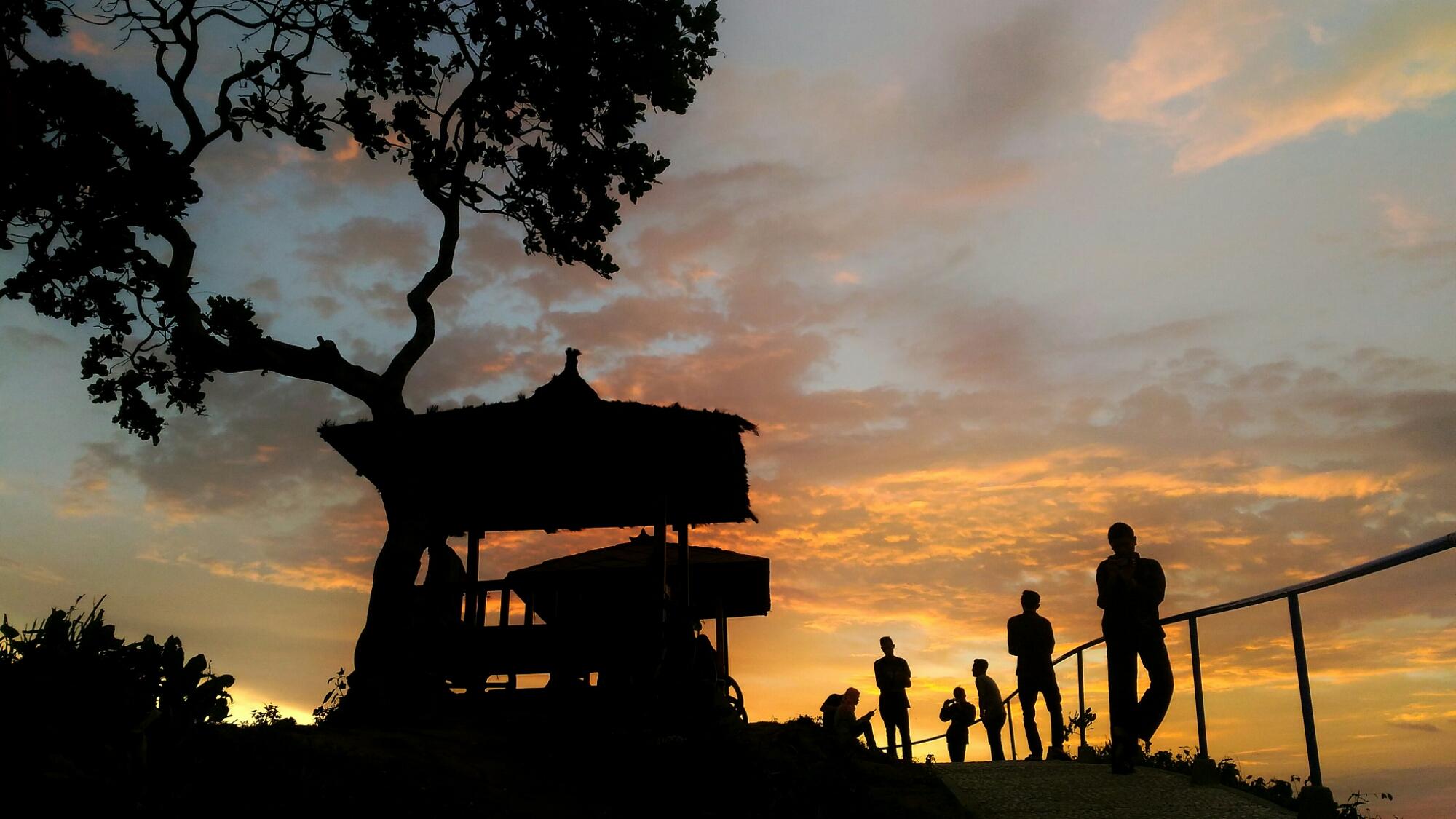 Wisata Green Village Gedangsari Yogyakarta Memberikan Pesona Alam Sunset Desa