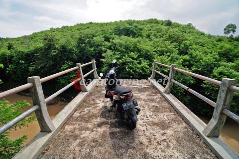Jembatan Tugel Wanagama Gunungkidul Teamtouring Honda Beat Fi Tepi Hutan