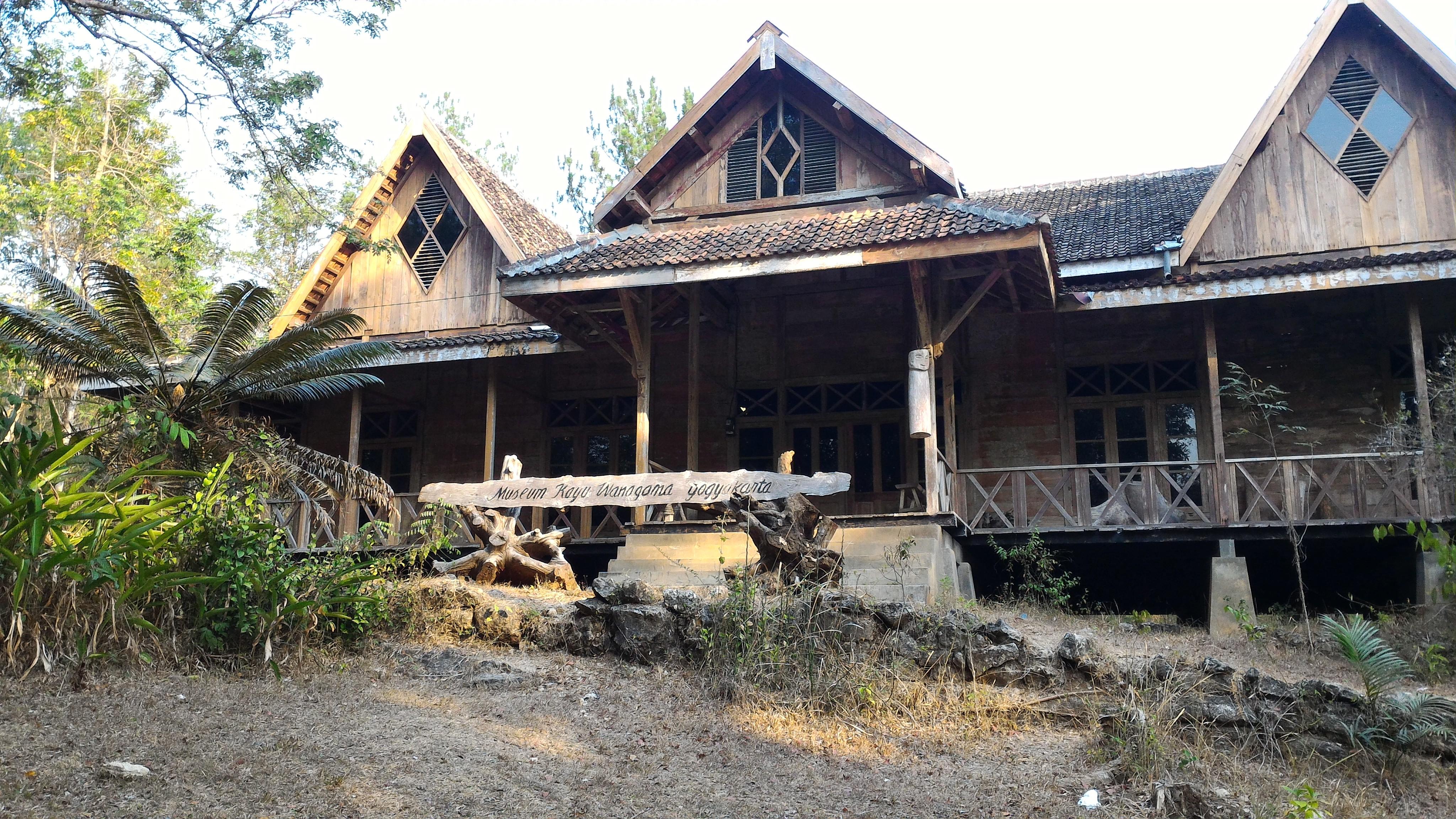 Melongok Museum Kayu Wanagama Gunung Kidul Yogyakarta Jogja Hutan Kab