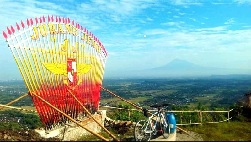 Menikmati Indahnya Panorama Alam Gardu Pandang Jurang Jero Gunung Kidul