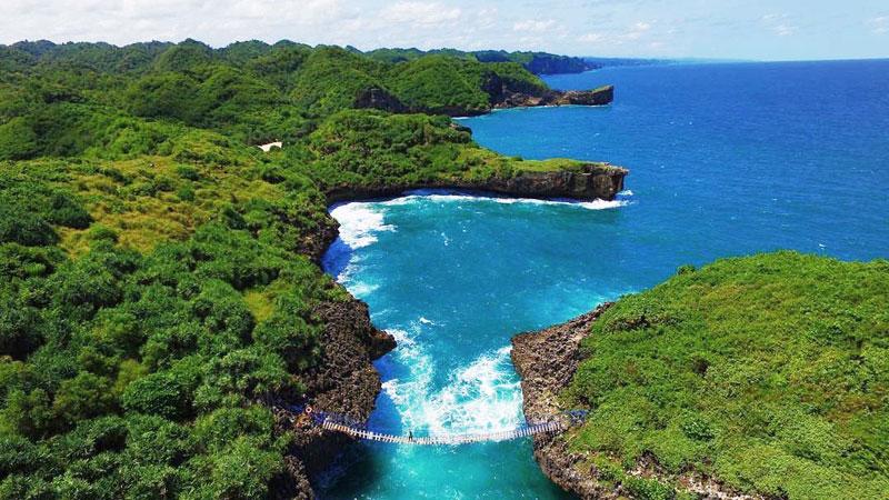 26 Tempat Wisata Alam Sekitar Yogyakarta Pantai Sinden Bukanlah Berpasir