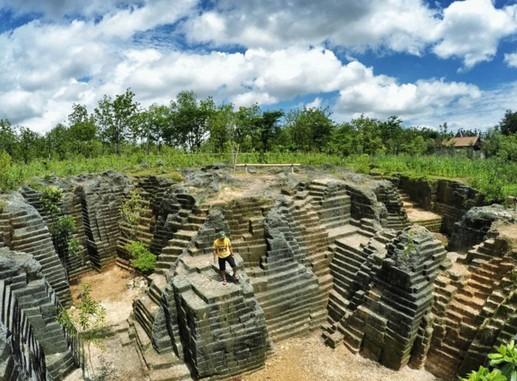Pesona Keindahan Wisata Watu Giring Semanu Gunung Kidul Yogyakarta Kab