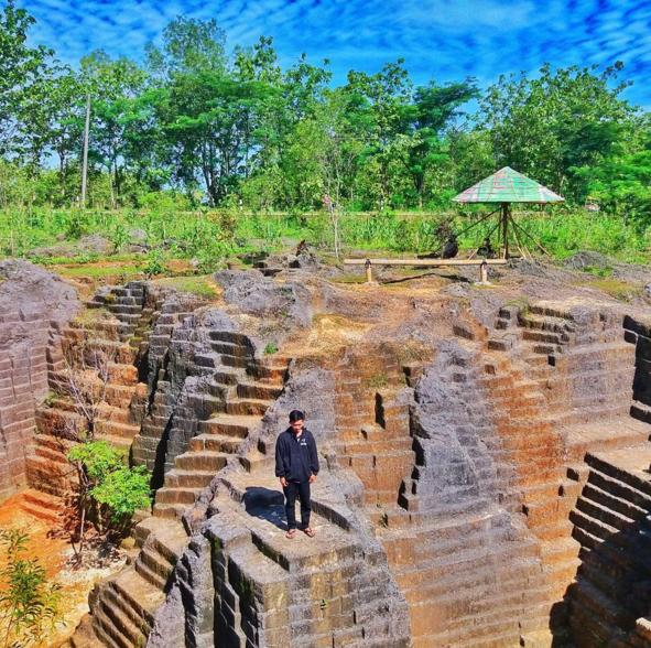 Watu Giring Gunung Kidul Penyatuan Karya Manusia Alam Fasilitas Semanu