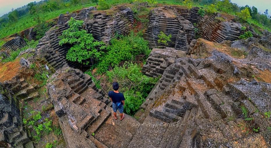 Watu Giring Gunungkidul Wisata Alam Karya Manusia Kab