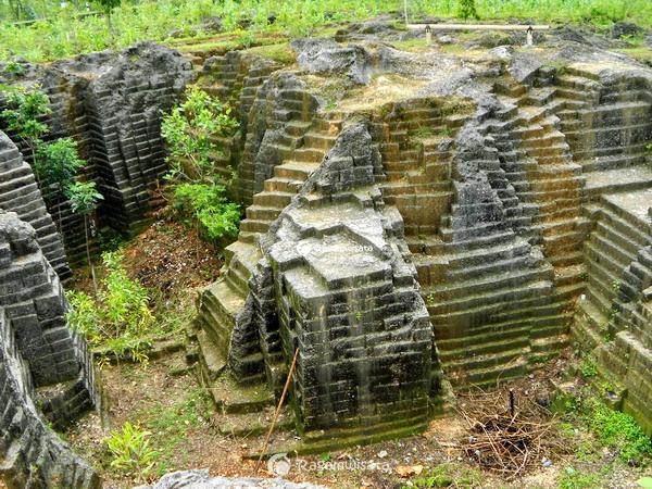 Watu Giring Gunungkidul Wisata Alam Unik Batu Berundak Ragamwisata Kab