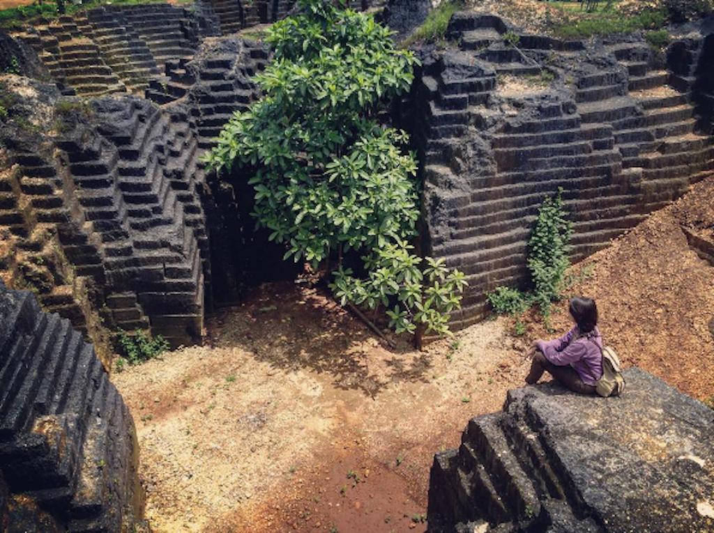 Watu Giring Kombinasi Alam Maha Karya Manusia Obyek Wisata Kab