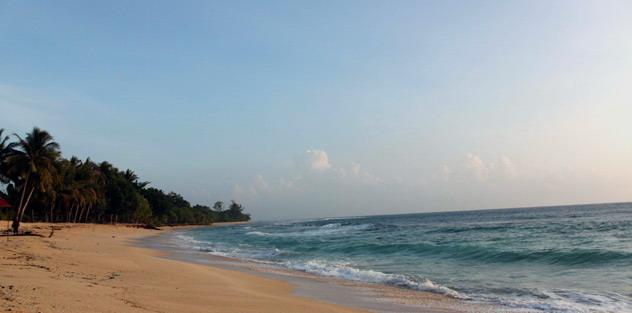 Wisata Indonesia Bremboymai Pantai Base Terletak Sebelah Barat Kota Jayapura