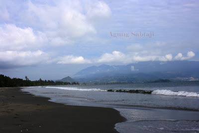 Agung Sabtaji Wisata Pantai Kota Kabupaten Jayapura Harlem Distrik Depapre