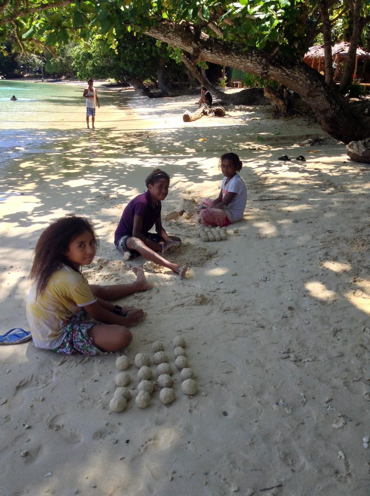 Keindahan Pantai Harlem Nominasi Obyek Wisata Bersih Jayapura Aktivitas Penduduk