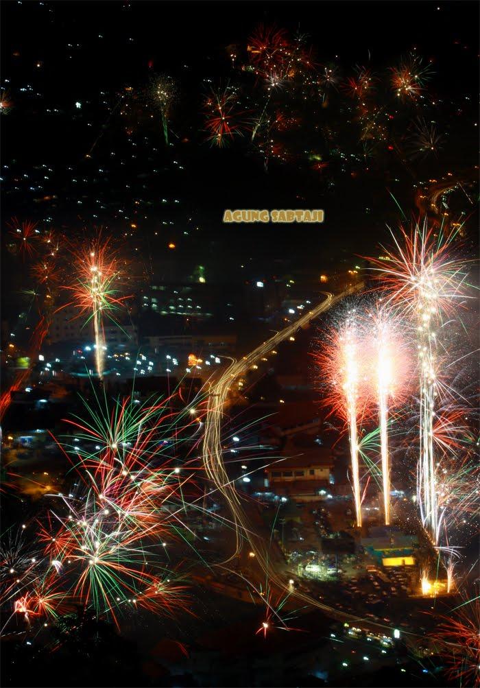 Agung Sabtaji Fireworks Jayapura Pantai Pasir Putih Holtekamp Keindahan Danau
