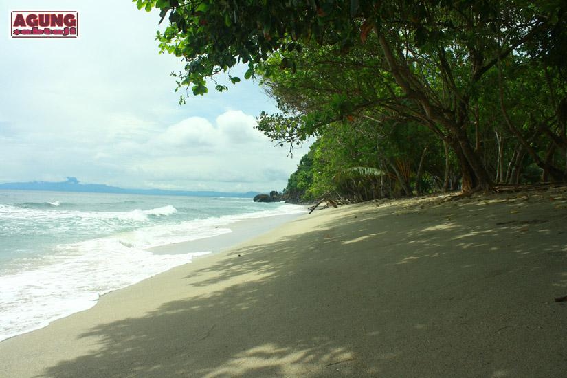 Agung Sabtaji Pantai Pasir Dua Jayapura Putih Holtekamp Keindahan Danau