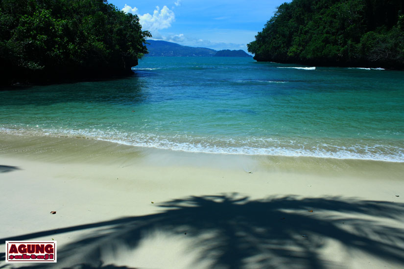 Agung Sabtaji Wisata Pantai Kota Kabupaten Jayapura Pasir Satu Dua