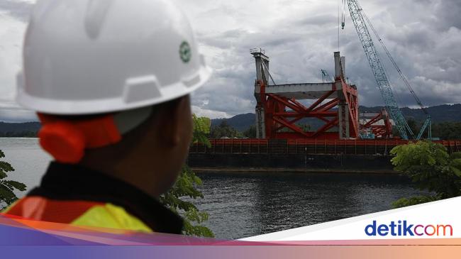 Foto Penampakan Terkini Progres Pembangunan Jembatan Holtekamp Pantai Hotelkamp Kab