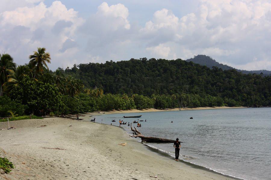 Pantai Amai Distrik Depapre Kabupaten Jayapura Keindahan Alam Papua Keunikan