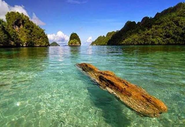 Papua Andalkan Wisata Pantai Inditourist Indepth Information Hotelkamp Kab Jayapura
