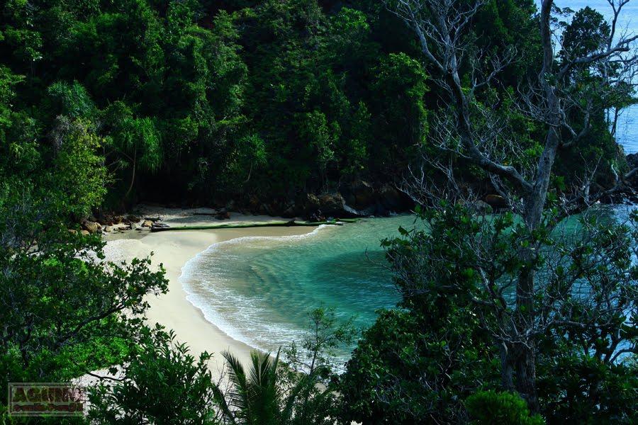 Agung Sabtaji Wisata Pantai Kota Kabupaten Jayapura Pasir 6 Kab